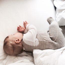 Babys schlafen anders, aber wie? – ein Experteninterview