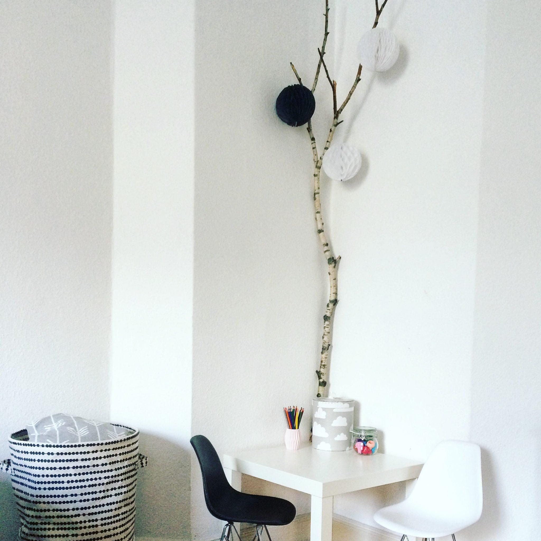 bei uns zieht der wald ein birken ste als deko sarahplusdrei. Black Bedroom Furniture Sets. Home Design Ideas