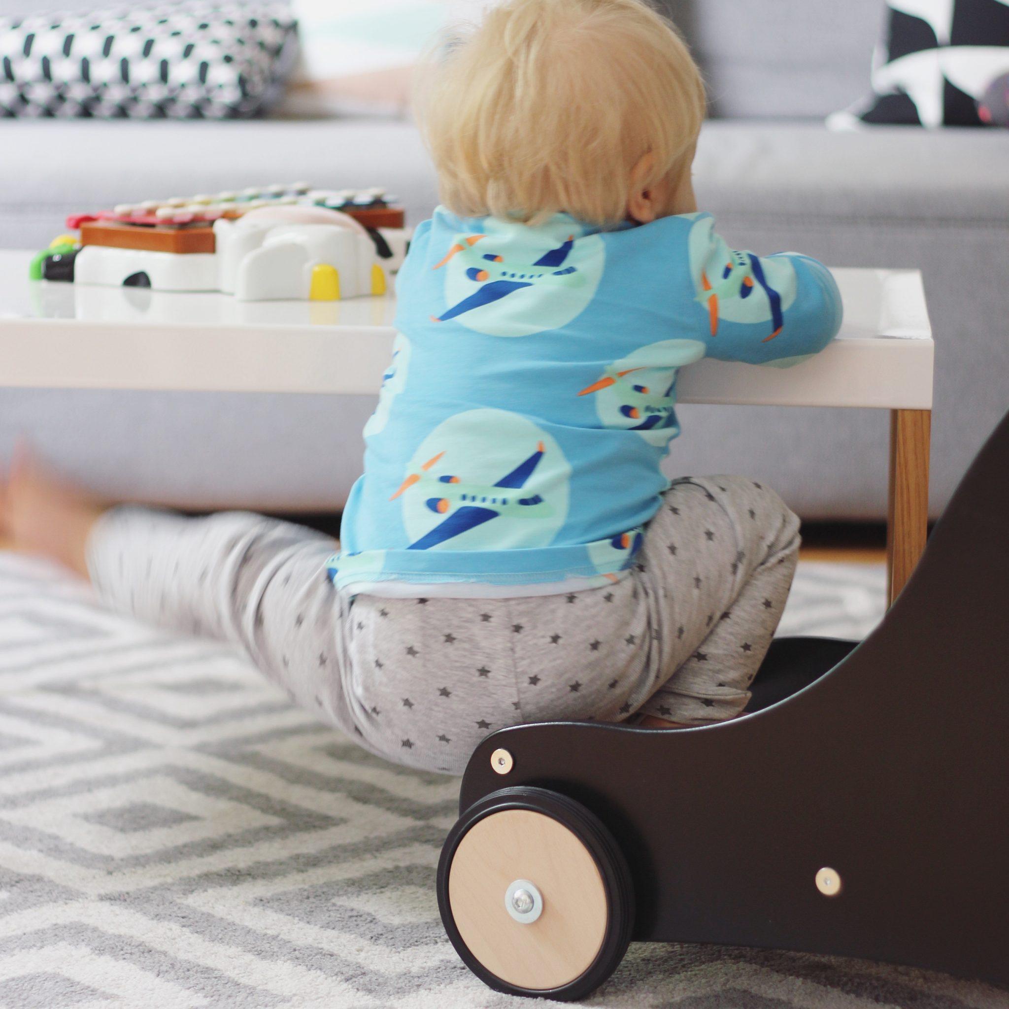 lauflernwagen ja oder nein der sharky im test sarahplusdrei. Black Bedroom Furniture Sets. Home Design Ideas