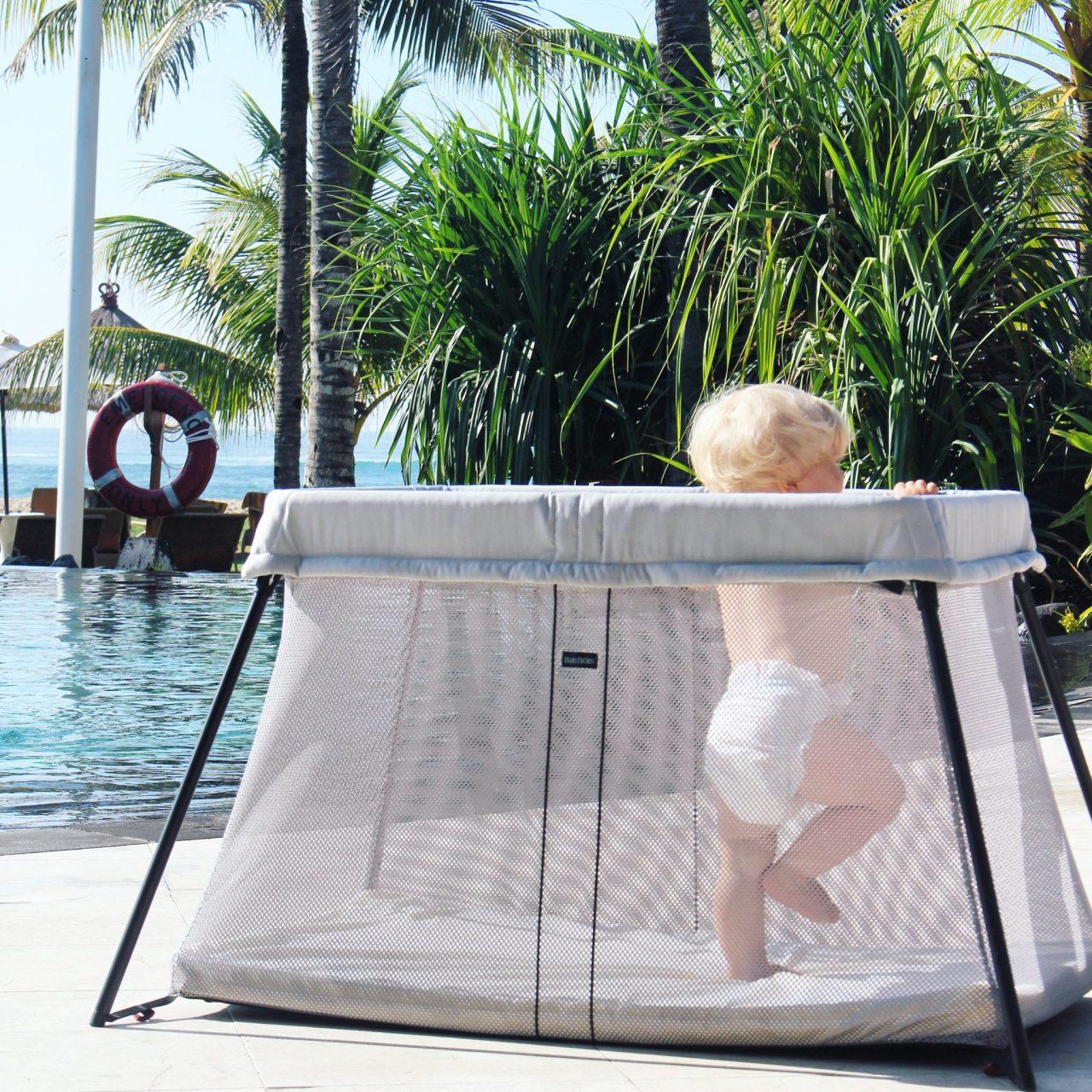 was macht ein gutes babyreisebett aus mit babybj rn auf fernreise giveaway sarahplusdrei. Black Bedroom Furniture Sets. Home Design Ideas