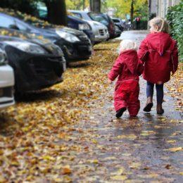 Sicher durch die dunkle Jahreszeit – meine Kinder tragen's bunt und leuchtend