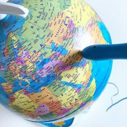 Wissenspiele für Kinder – der sprechende Globus