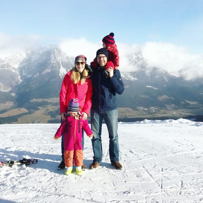 hotel-kaiser-in-tirol-winteruralub-skiurlaub-mit-kindern1