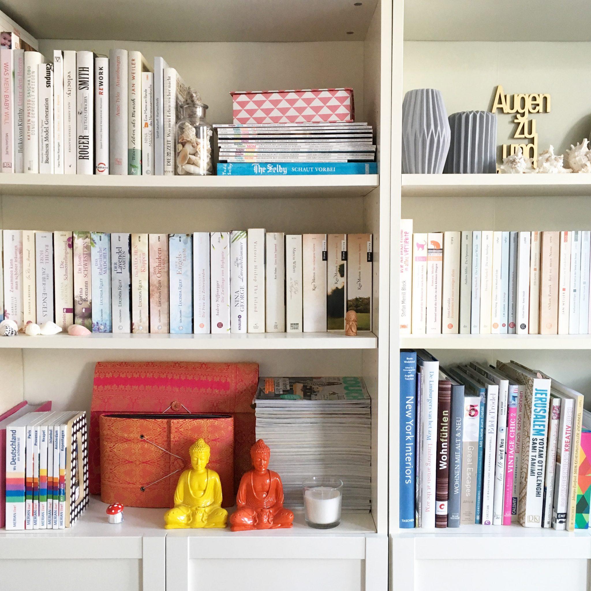 unser zuhause leben mit buechern sarahplusdrei. Black Bedroom Furniture Sets. Home Design Ideas