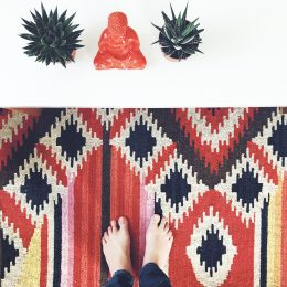Bei uns zieht farbenfroher Boho Chic ein und sogar Pflanzen