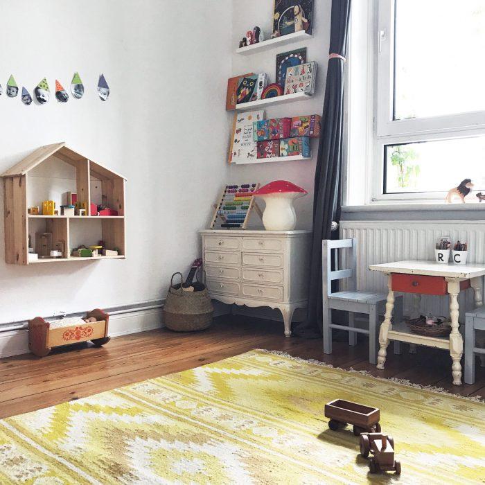 Kinderzimmer Regal Schränkchen Spielhaus Tischchen