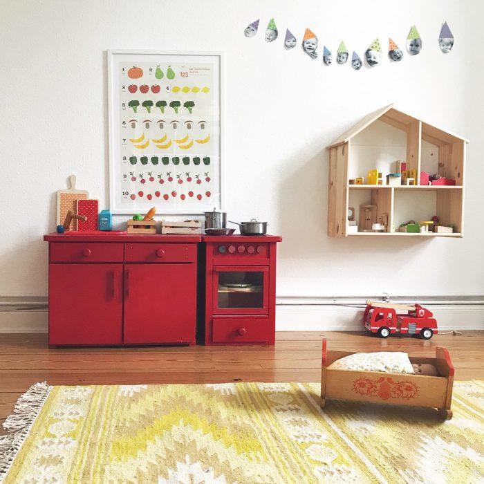 Kinderzimmer Spielküche Spielhaus Puppenbett Feuerwehrauto