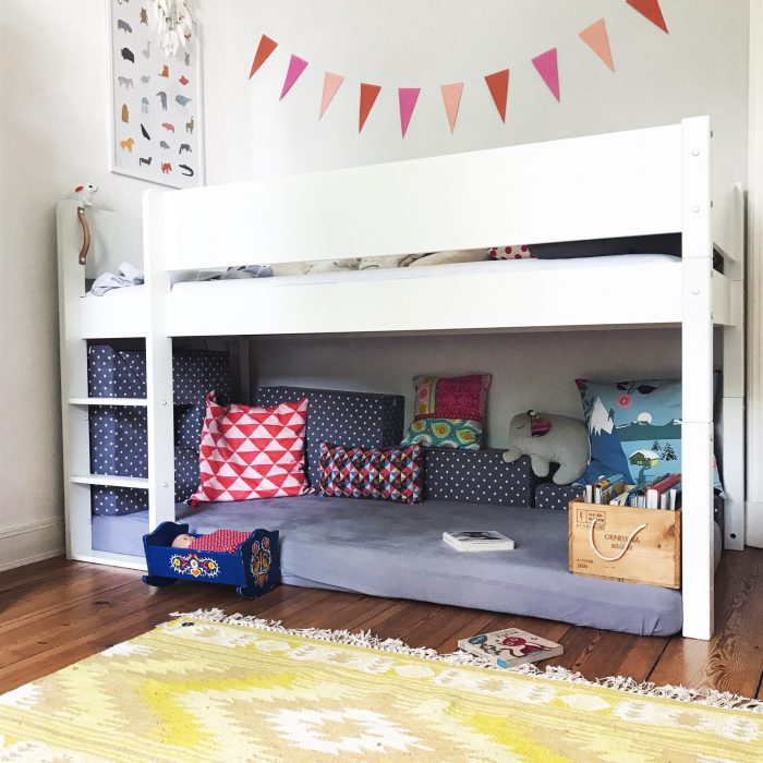 Kinderzimmer Hochbett Kuschelecke Kissen