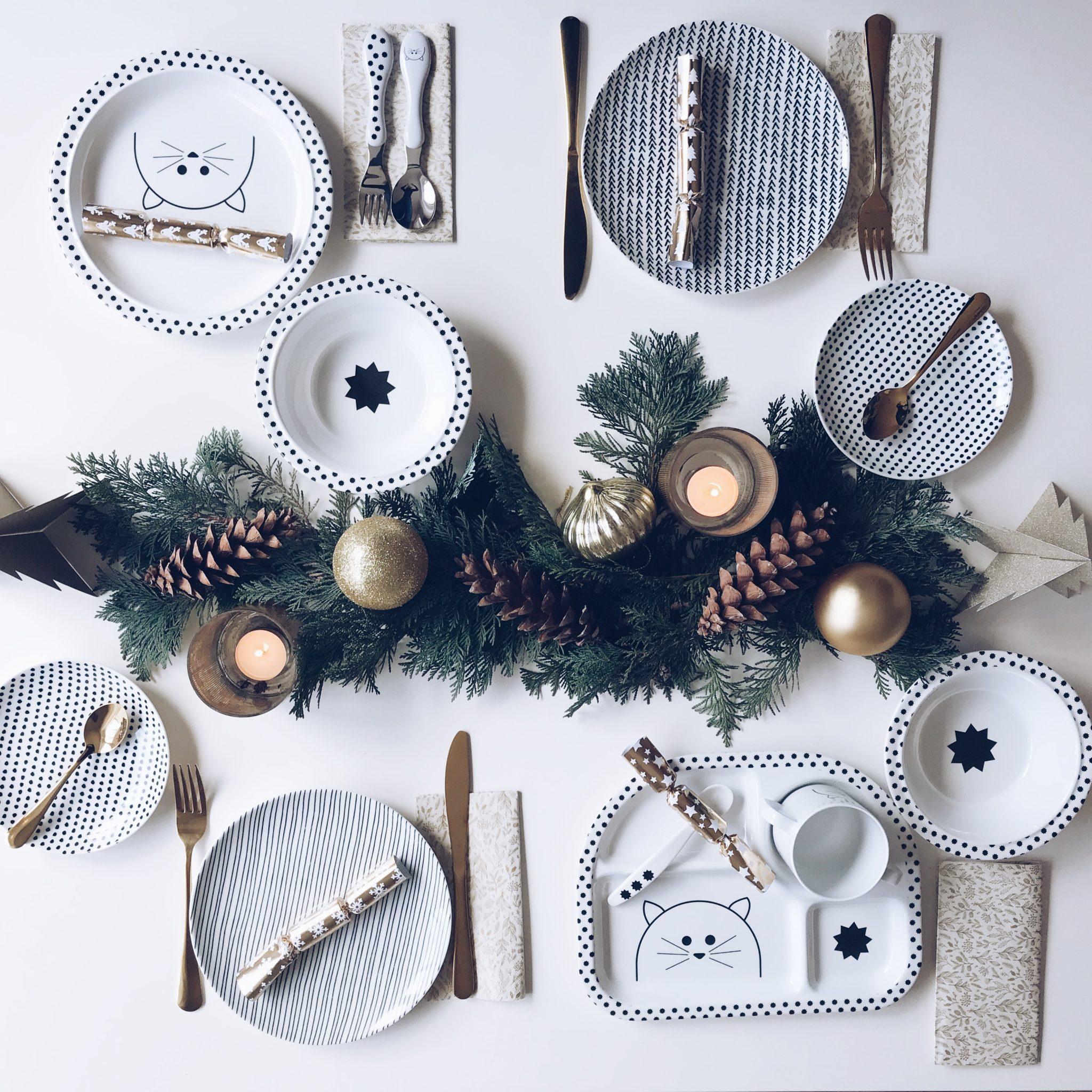 1. Adventsverlosung: Weihnachtstisch mit Kindern - Geschirr von ...
