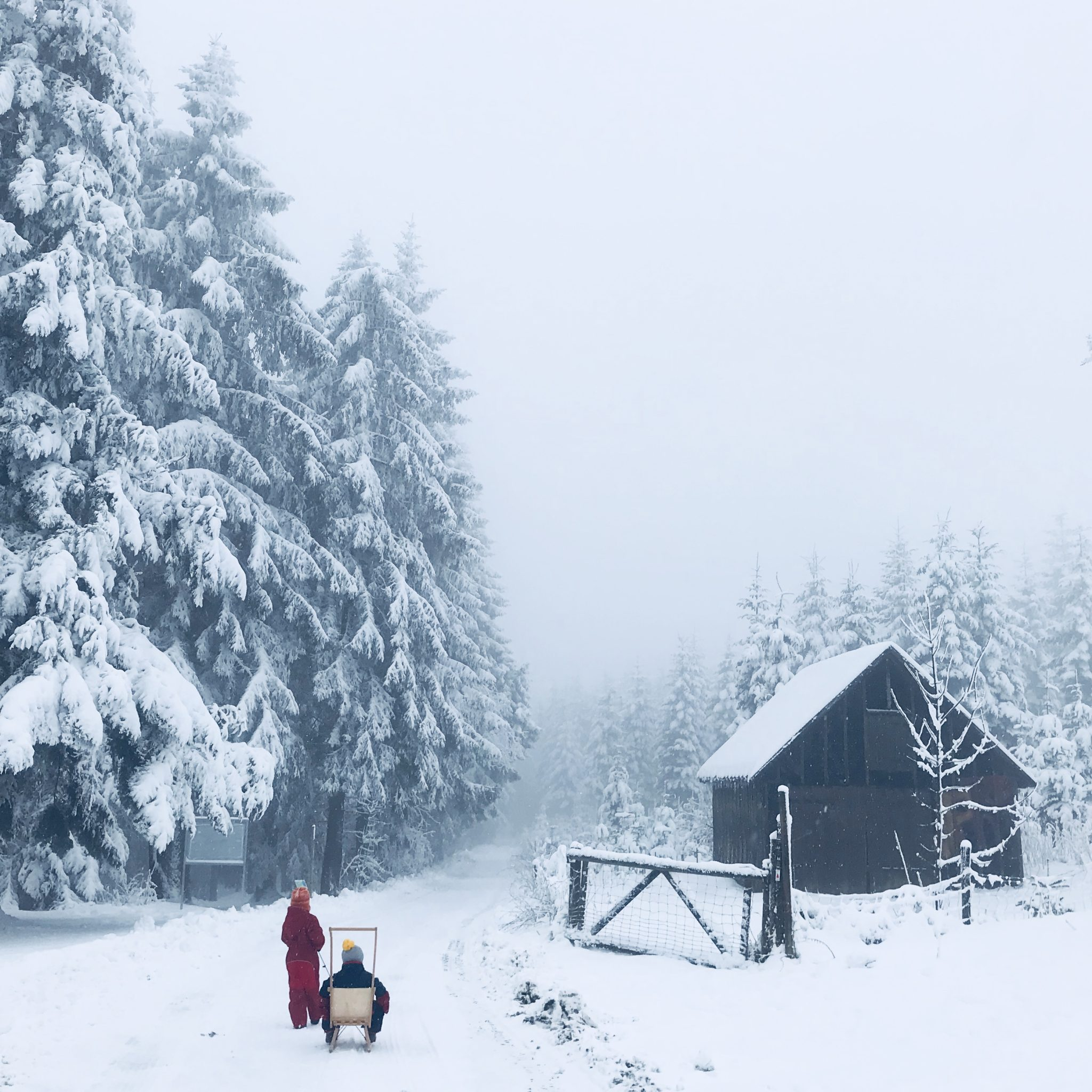 winterurlaub kurztrip kinder schnee winterferien sauerland schnee familienurlaub1 sarahplusdrei. Black Bedroom Furniture Sets. Home Design Ideas