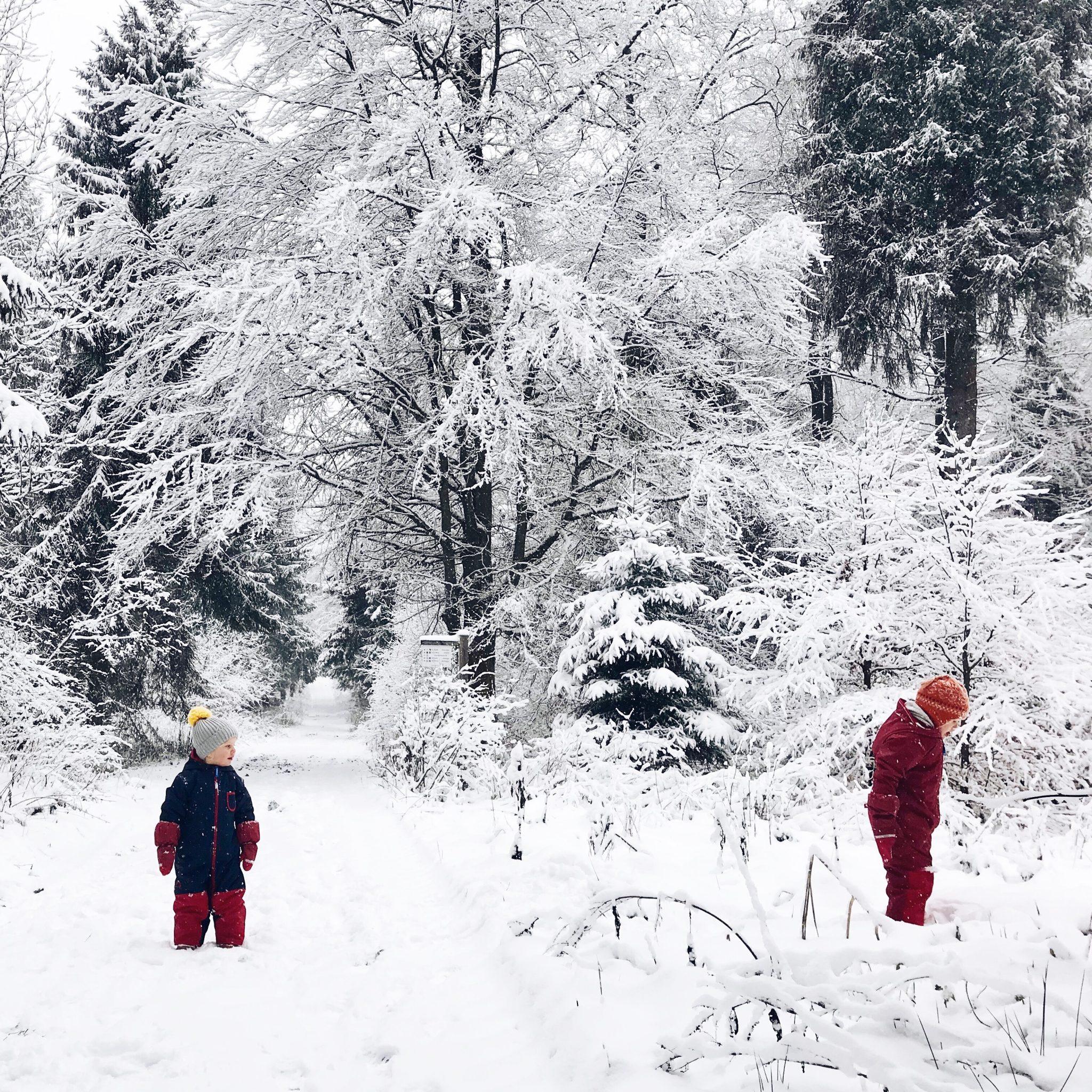 winterurlaub kurztrip kinder schnee winterferien sauerland schnee familienurlaub10 sarahplusdrei. Black Bedroom Furniture Sets. Home Design Ideas