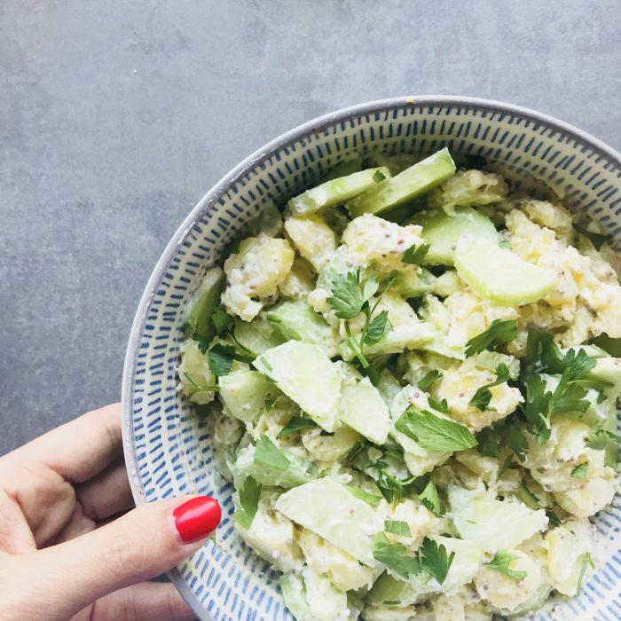rezept f r sommerlichen gurken kartoffelsalat mit senf schmand sauce sarahplusdrei. Black Bedroom Furniture Sets. Home Design Ideas