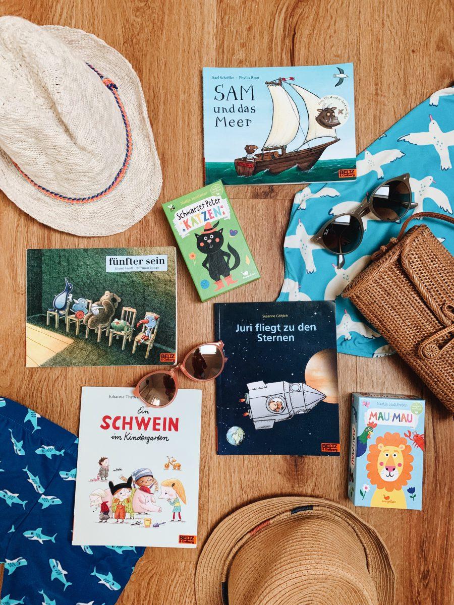Bucher Und Spiele Fur Unterwegs Kleine Geschenke Fur Kinder Sarahplusdrei